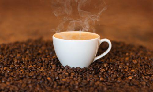 czy kawa odwadnia ?